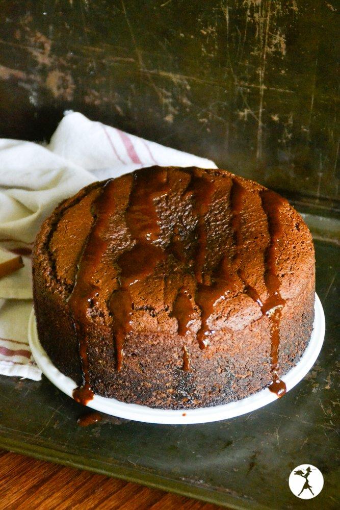 Whole honey gingerbread cake from raiasrecipes.com