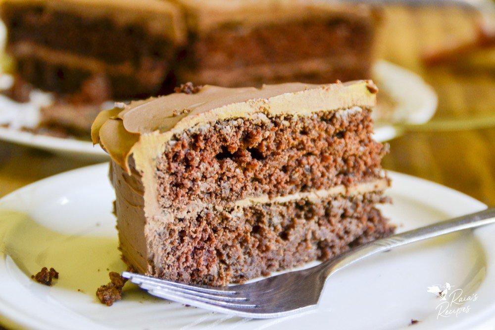 cover shot of gluten-free, vegan chocolate applesauce cake from raiasrecipes.com