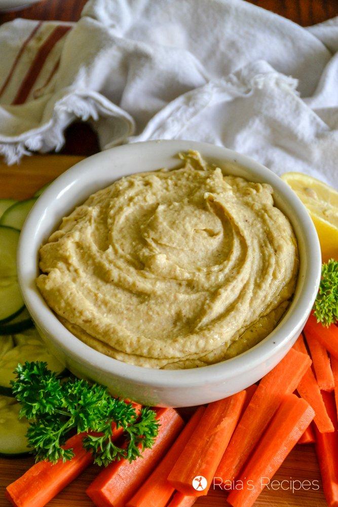 Vegan Roasted Red Pepper Hummus