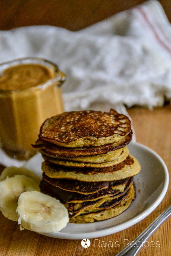 Easy Baby Banana Pancakes 4