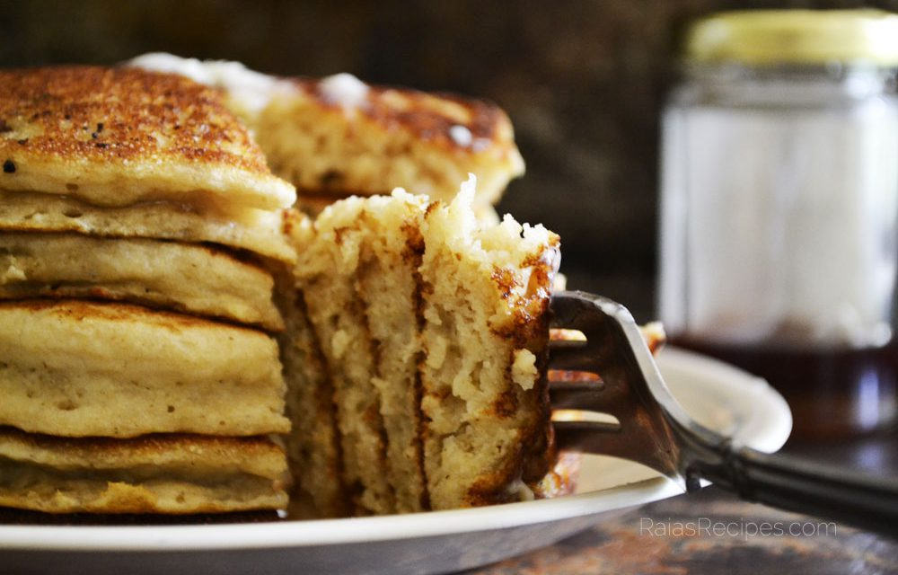 Easiest Fluffy Buttermilk Pancakes