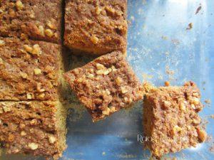 Cinnamon Applesauce Crumb Cake | RaiasRecipes.com