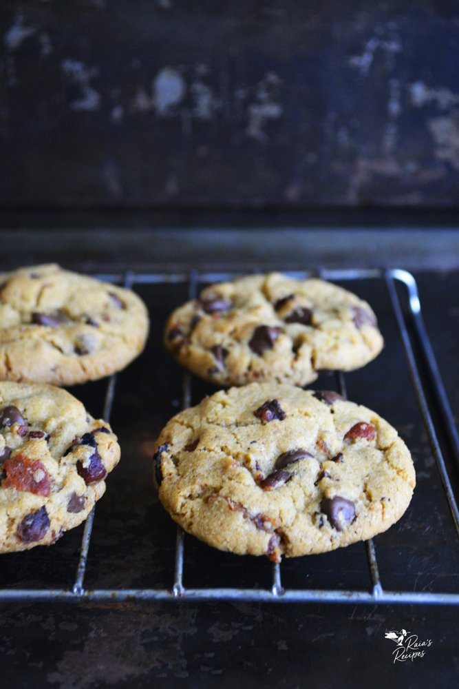 rack of gluten-free bacon chocolate chip cookies from raiasrecipes.com