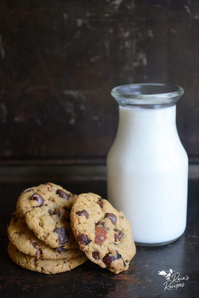 milk and bacon cookies from raiasrecipes.com