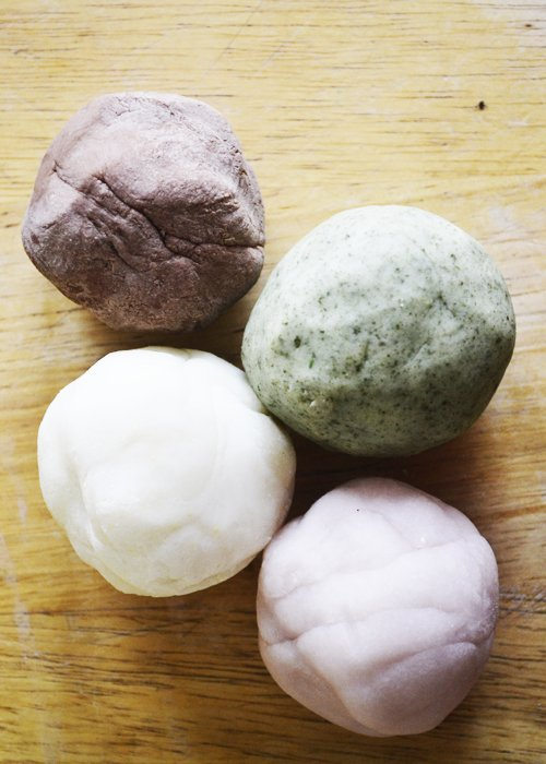Homemade Gluten-Free Play Dough | RaiasRecipes.com