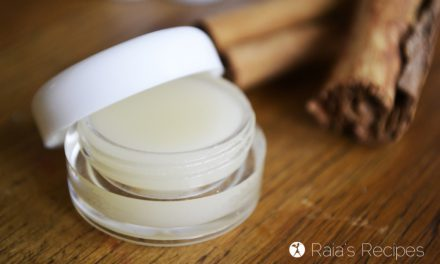 DIY Honey & Cinnamon Lip Balm