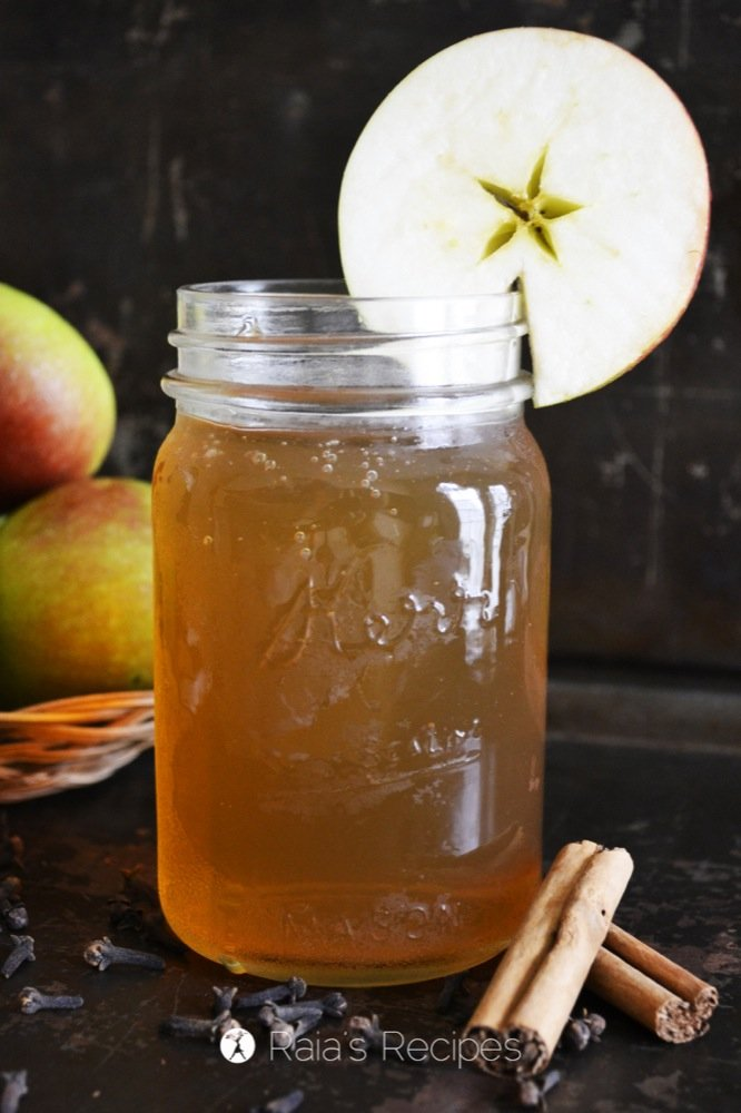 Spiced Apple Kombucha #paleo #drinks #fermented #kombucha #apples #spice #healthy