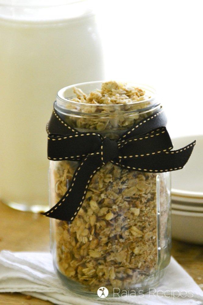 Cinnamon Coconut Granola