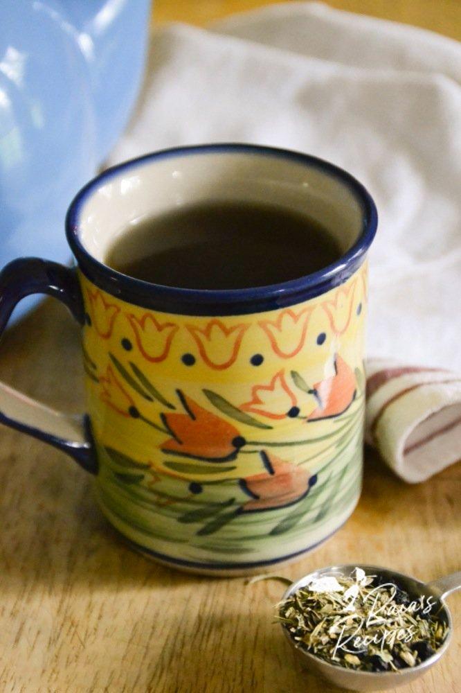Herbal sore throat tea from raiasrecipes.com