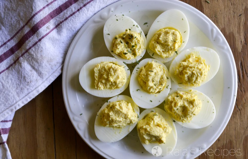 Sour Cream & Sriracha Deviled Eggs in the Instant Pot