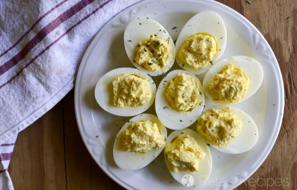 Sour Cream & Sriracha Deviled Eggs in the Instant Pot