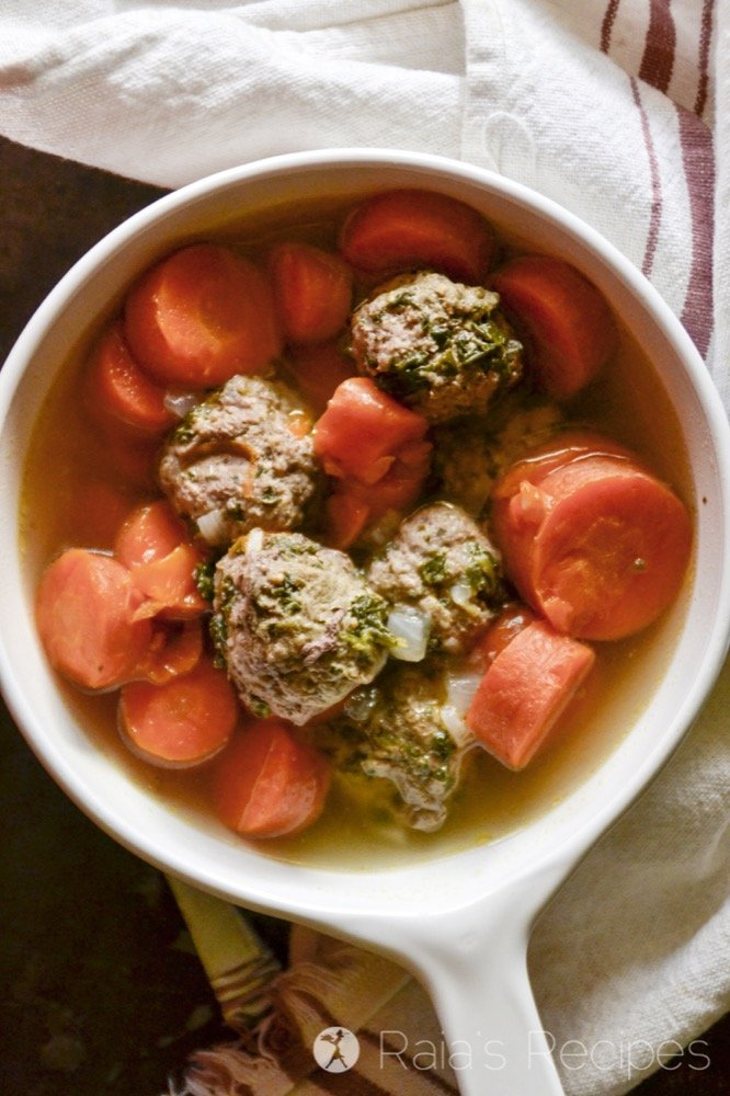 Easy, delicious, and GAPS Intro Diet friendly, these Spinach & Garlic Meatballs in the Instant Pot are sure to become a family favorite.   RaiasRecipes.com