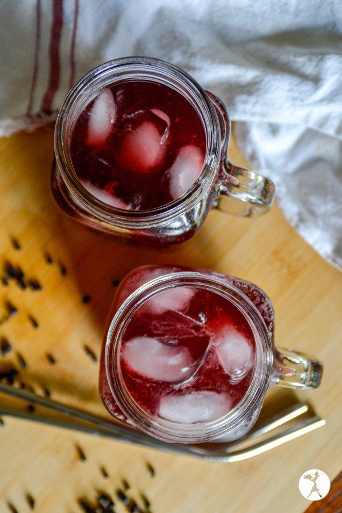 blueberry elderberry water kefir from raiasrecipes.com