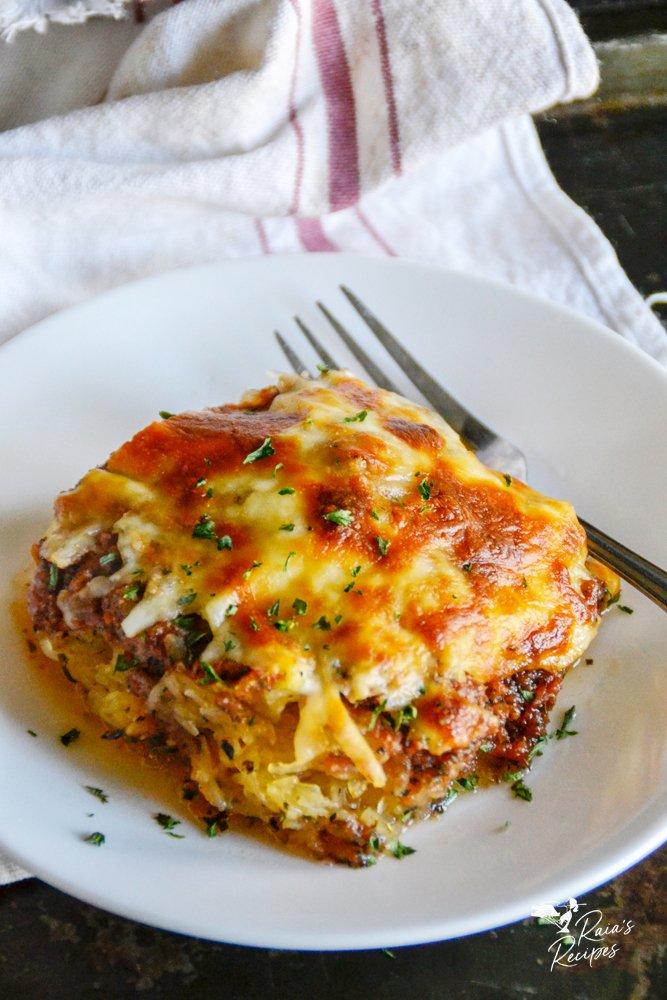 spaghetti squash pizza casserole from raiasrecipes.com