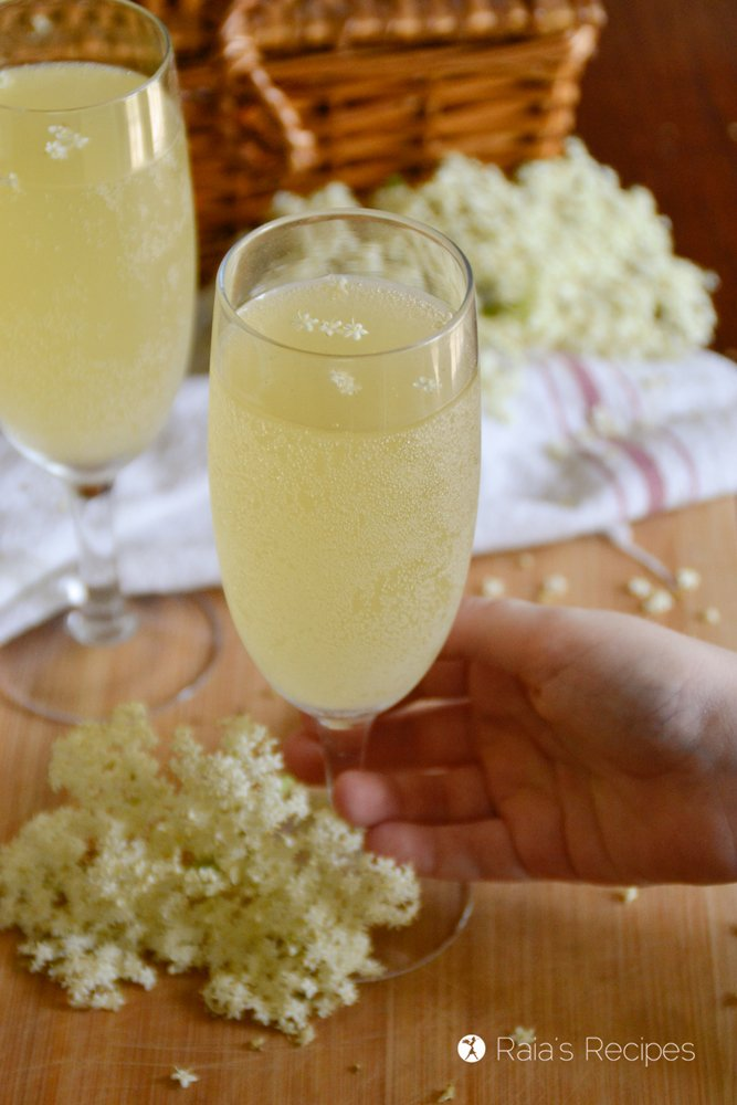 elderflower champagne hand