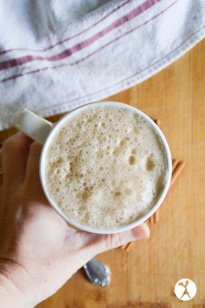 Grabbing a mug of Cinnamon Ginger Latte from raiasrecipes.com