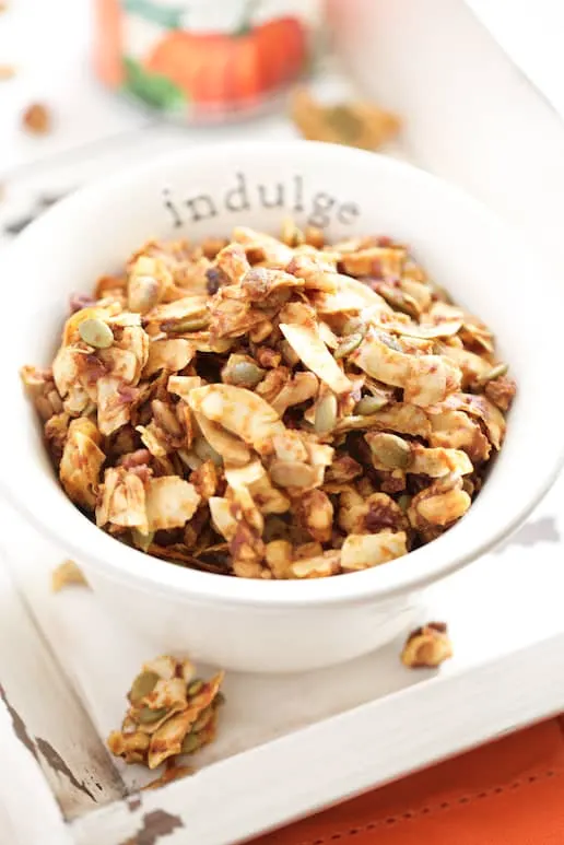 double pumpkin pie granola from get inspired everyday | paleo pumpkin recipes from raiasrecipes.com