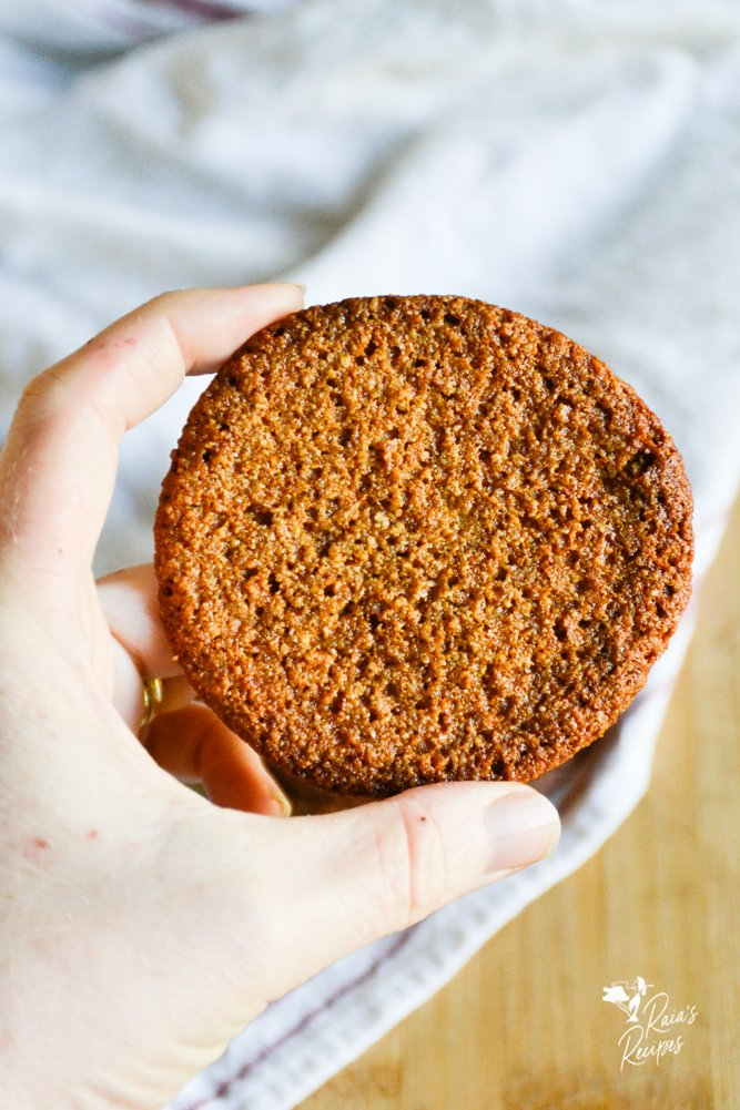 soft and chewy gingersnaps from raiasrecipes.com
